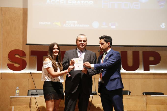 Programa Emprende recibe su premio 24 de la mano de Juanma Romero